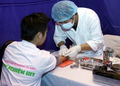 Giảm kinh phí, cắt viện trợ, HIV có nguy cơ bùng phát trở lại