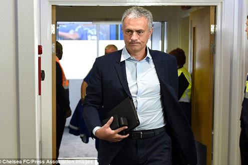 Chelsea quyết định cho HLV Mourinho cơ hội