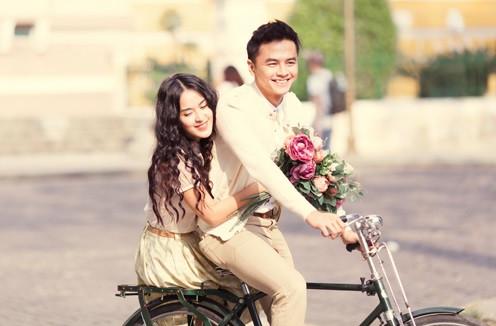 Văn Anh - Tú Vi bất ngờ lộ giấy đăng ký kết hôn