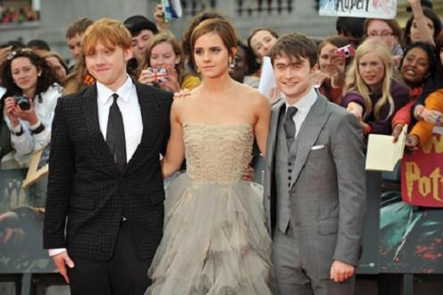Harry Potter ra mắt trailer tái xuất với phần 8 trên sân khấu kịch