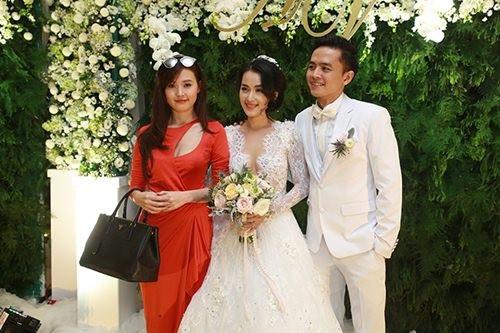 Sao Việt nô nức đến dự lễ cưới của Văn Anh - Tú Vi