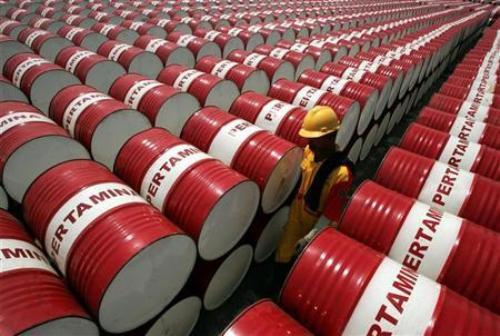 Tin tức kinh tế ngày 22/11: Việt Nam thiệt hại 3 tỉ USD do giá dầu thô giảm