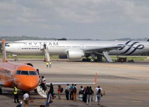 Pháp: Bắt giữ 2 nghi can trong vụ bom giả trên máy bay của Air France