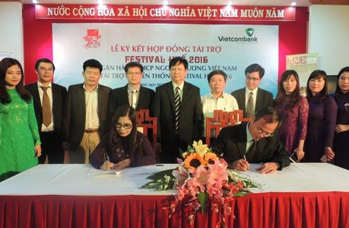 Vietcombank tài trợ 3 tỷ đồng cho Festival Huế 2016