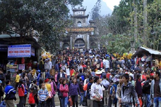 Hà Nội chỉ đạo rà soát, giảm lễ hội quy mô lớn