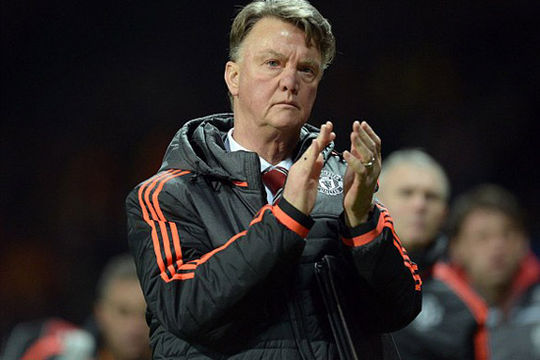 """Van Gaal và Pellegrini """"đá xéo"""" trước trận derby thành Manchester"""