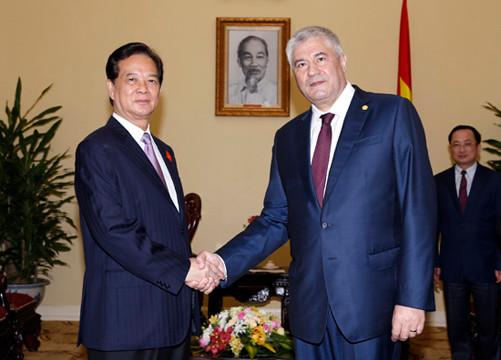 Thủ tướng Nguyễn Tấn Dũng tiếp Bộ trưởng Bộ Nội vụ Liên bang Nga
