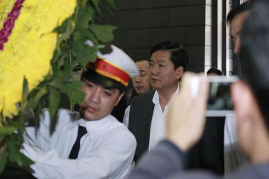 Bí thư Thành Ủy TP. HCM Đinh La Thăng tiễn biệt Nhạc sỹ, ca sỹ Trần Lập