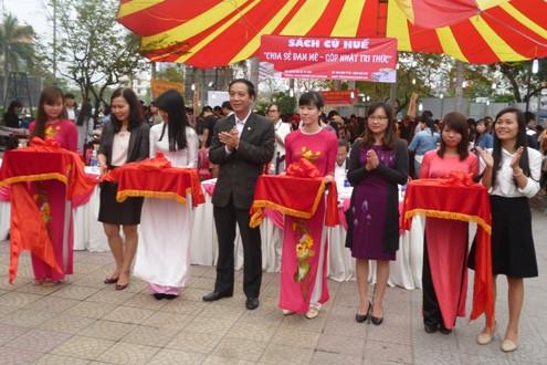 Hội chợ sách lần đầu tiên tổ chức tại cố đô Huế