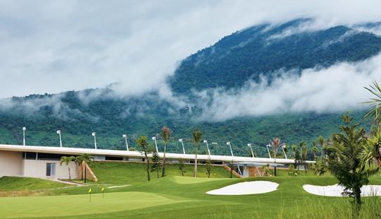 Chiêm ngưỡng tuyệt tác sân golf đầu tiên tại Bà Nà