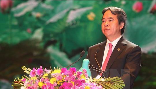 Ông Nguyễn Văn Bình nhận quyết định làm Trưởng ban Kinh tế Trung ương
