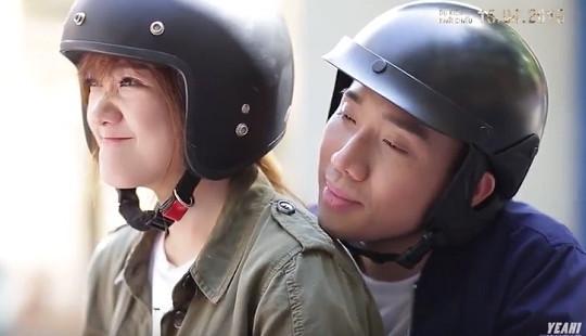 """Trấn Thành- Hari Won tình tứ MV """"Yêu và Yêu"""""""
