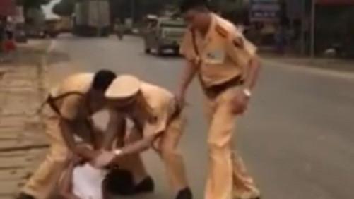 Tuyên Quang: CSGT nổ súng trấn áp đối tượng cầm 2 dao đe dọa