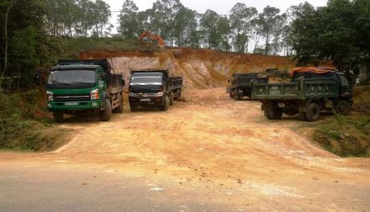 Sở TNMT Nghệ An yêu cầu làm rõ tình trạng khai thác đất trái phép ở huyện Thanh Chương