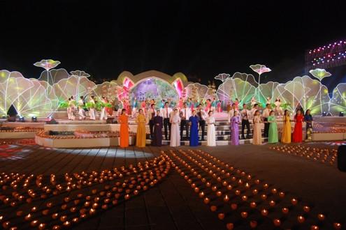 """Thừa Thiên Huế: Bế mạc Festival Huế 2016 với chủ đề """"Huế mãi trọn tình"""""""
