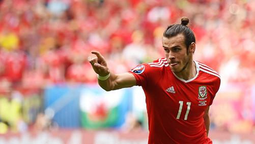 EURO 2016: Cú sút phạt của Gareth Bale đi vào lịch sử