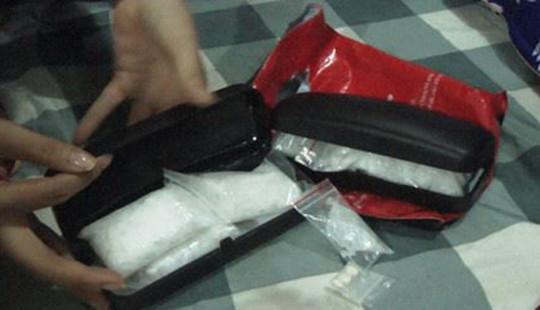 Phát hiện ma túy đá giấu trong phòng ngủ của đôi tình nhân