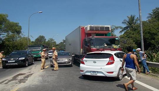 Tai nạn liên hoàn trên Quốc lộ 1