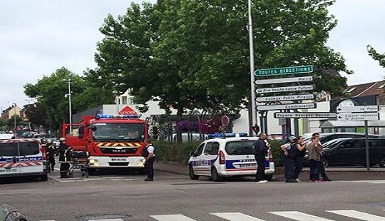 Pháp: Bắt cóc con tin tại nhà thờ, ít nhất một con tin thiệt mạng