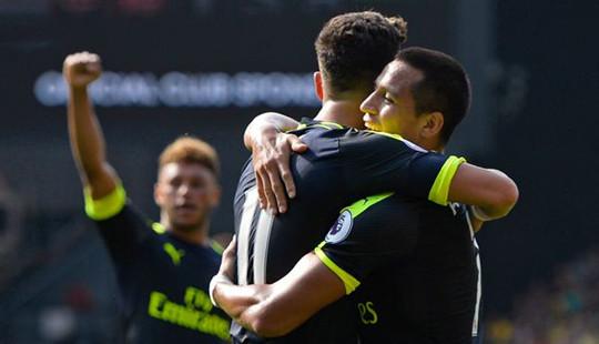 Sanchez rực sáng, Arsenal đánh bại Watford