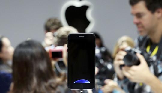 Apple đã bán hết toàn bộ lượng iPhone 7 Plus đợt đầu