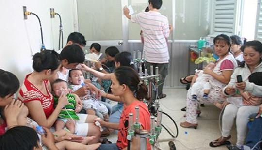 Thời tiết thất thường, trẻ mắc bệnh hô hấp tăng đột biến