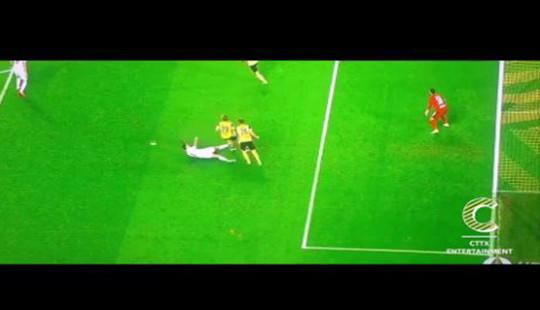 C.Ronaldo có thể bị treo giò khi đá Marcel Schmelzer để trả đũa