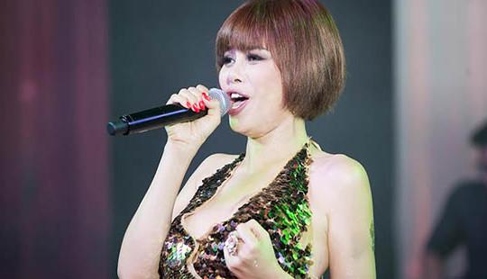 """Cuộc sống hiện tại ít người biết của """"người đàn bà hát nhạc Phú Quang"""""""