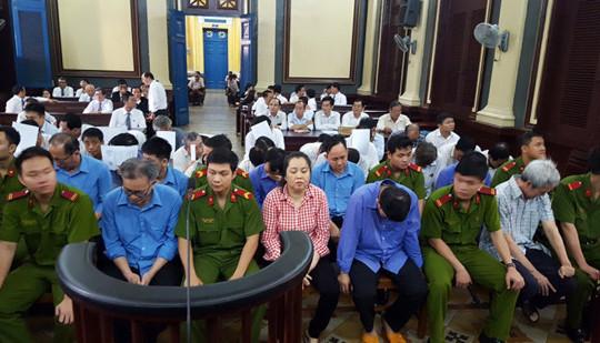 Đề nghị 3 án chung thân các bị cáo cầm đầu buôn lậu