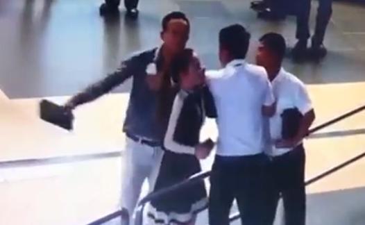 Vụ hai người đàn ông đánh nữ nhân viên tại sân bay: Xử lý thế nào?