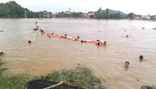 Quảng Bình: Tìm thấy thi thể học sinh bị nước cuốn trôi