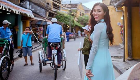 Diệu Ngọc tự tin nói tiếng Anh giới thiệu Việt Nam tới Miss World 2016