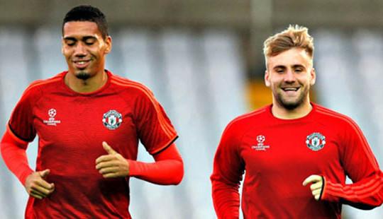 Hai sao MU đối diện tương lai u ám khi chống lệnh Mourinho