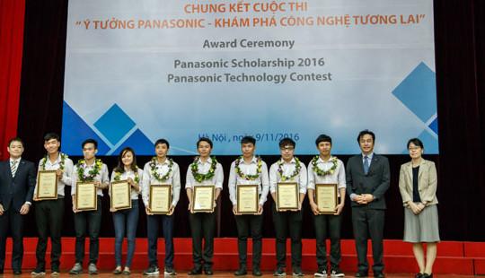 Panasonic trao học bổng toàn phần cho sinh viên 7 trường đại học