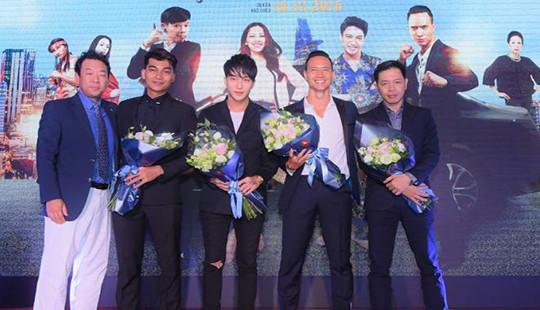 """Các chàng """"VỆ SĨ SÀI GÒN"""" bảnh bao hài hước trong showcase hoành tráng tại Hà Nội"""