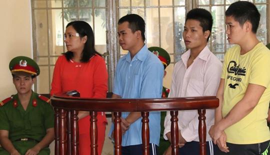 Vụ 4 phu vàng tử vong do ngạt khí: Vợ cán bộ CSGT huyện lãnh án