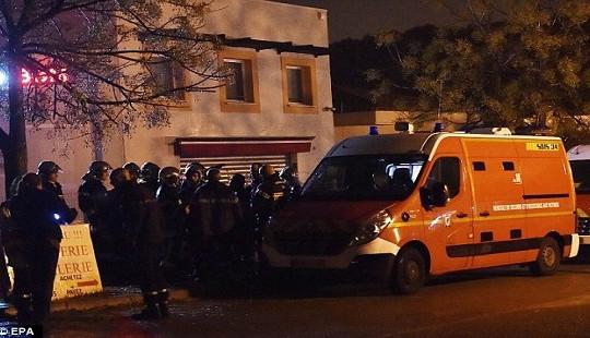 Bắt cóc con tin chấn động nước Pháp, 2 người thiệt mạng