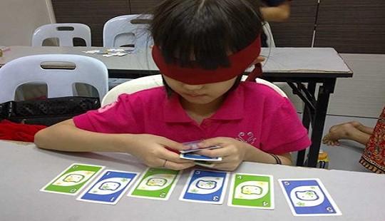 """Lớp học kích bán cầu não cho trẻ: Cha mẹ hãy thôi """"ảo tưởng"""""""