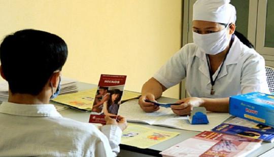 Hướng tới 100% người nhiễm HIV/AIDS có bảo hiểm y tế