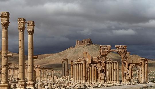 Tái chiếm thành cổ Palmyra, IS vẫn không thể hạ thấp vị thế của Nga