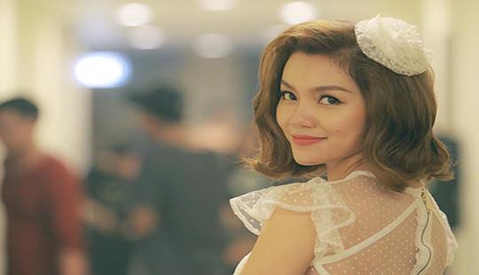 Nữ ca sĩ ''Tìm một người như thế'' tất bật chạy show cuối năm quên cả sinh nhật của bản thân