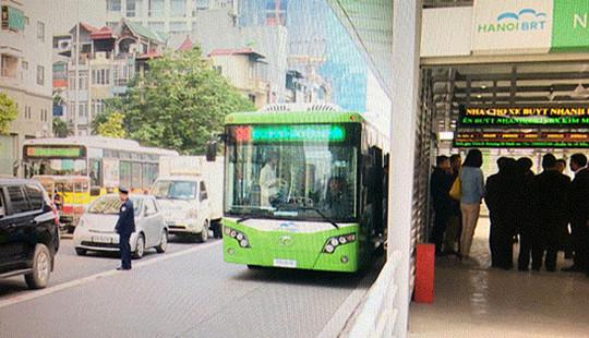 Hà Nội: Xử phạt nguội phương tiện đi vào làn xe buýt nhanh BRT