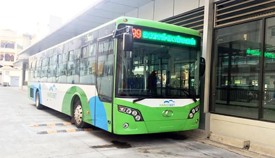 """Hà Nội đang """"lúng túng"""" với tuyến buýt nhanh không phải là BRT?"""