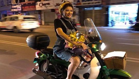 Muôn kiểu đón Giáng sinh của Sao Việt năm nay