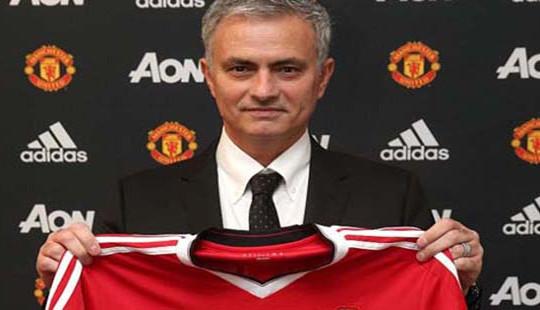 Mourinho lập kỷ lục bất bại giúp MU trở lại quỹ đạo chiến thắng