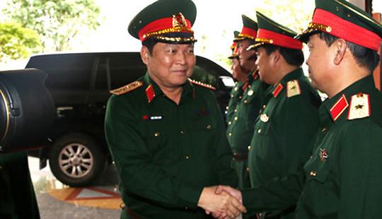 Thường vụ Quân ủy Trung ương làm việc với Quân khu 5