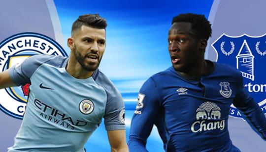 Cầu thủ Man City đội mưa tập luyện để chiến đấu với Everton