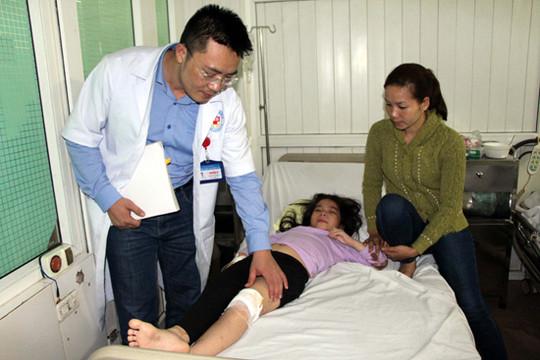 Vẫn còn 7 bệnh nhân phải điều trị do lật xe khách tại Nghệ An