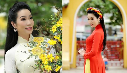 Á hậu Trịnh Kim Chi cùng con gái mặc áo dài lễ chùa đầu năm