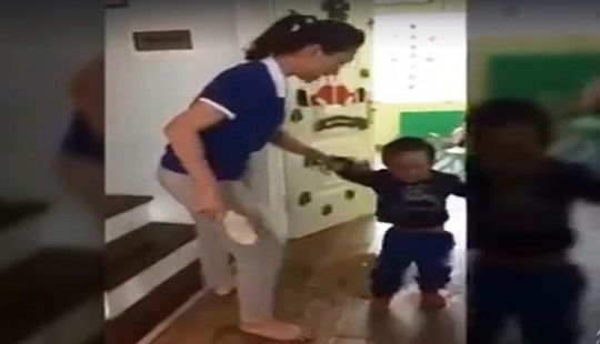 Bộ GD&ĐT yêu cầu Hà Nội xử lý nghiêm việc cô giáo mầm non đánh trẻ